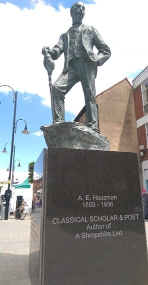 The Housman statue stands on its new plinth in Bromsgrove High Street